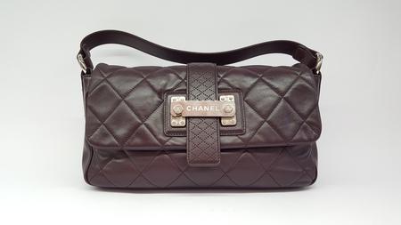 Chanel prune leather flapbag