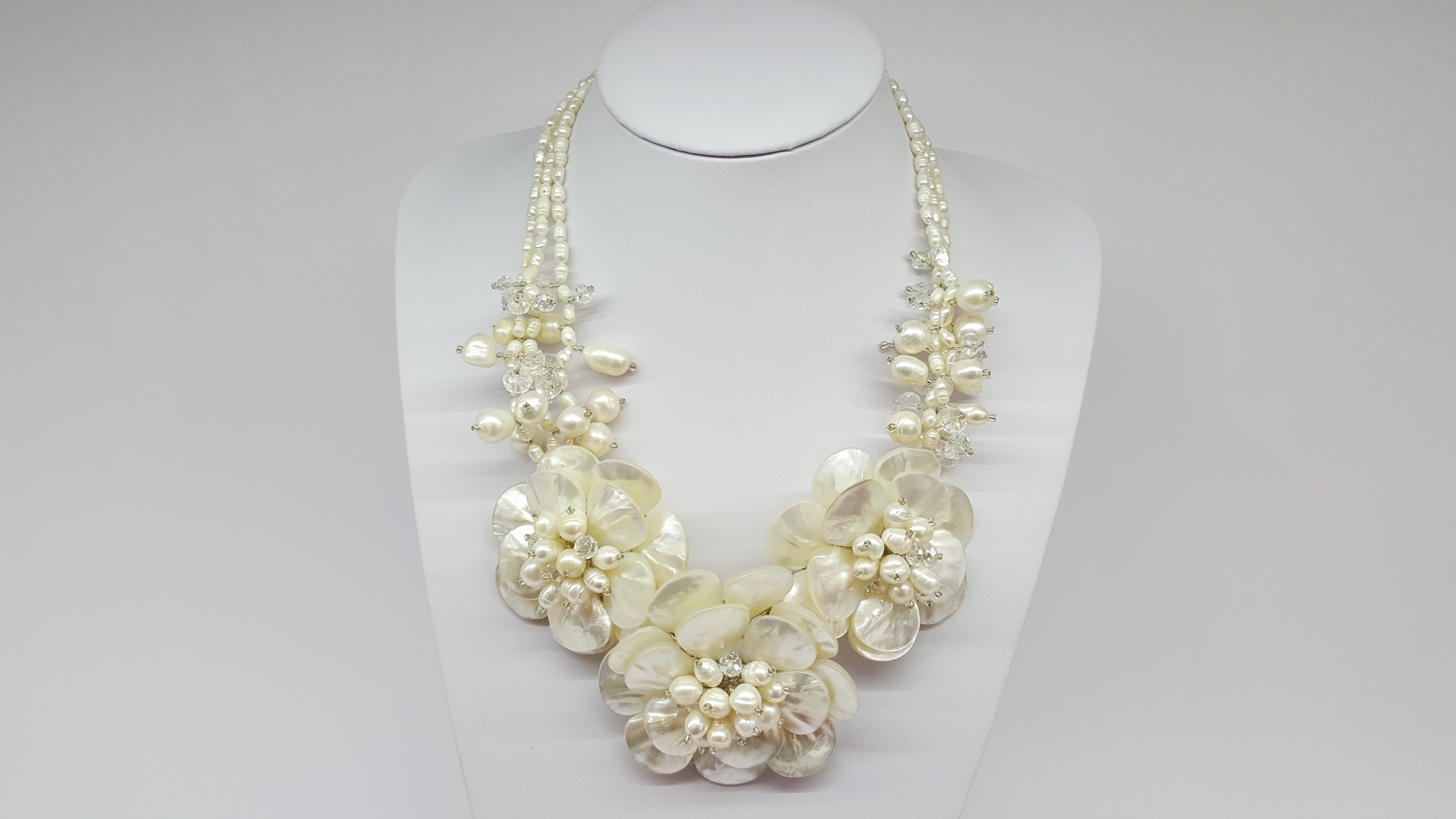 Necklace White Mother Of Pearl Vintage Shop In Mykonos