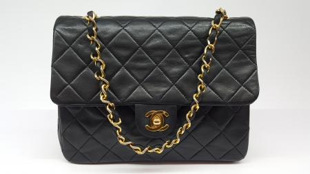 chanel vintage timeless bag in black lambskin leather